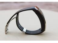 Толщина корпуса Gear S не маленькая - 12,5 мм