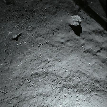Снимок, сделанный камерой Philae с высоты 40 метров перед первым приземлением