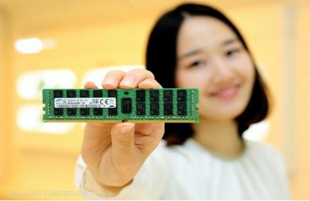 Планка памяти DDR4 32 Гб от Samsung